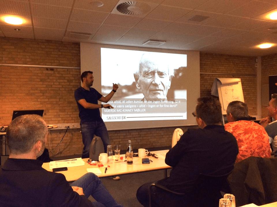 Peptalk og salgsforedrag med Jacob Handberg